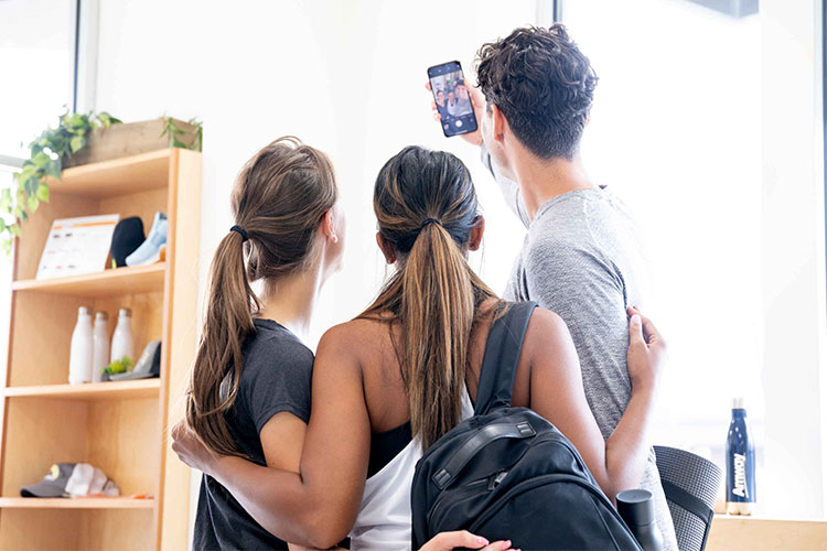 Amway Social - Selfie